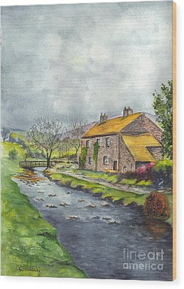 An Old Stone Cottage In Great Britain Wood Print by Carol Wisniewski