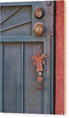 Angel At The Door Wood Print by Carol Leigh