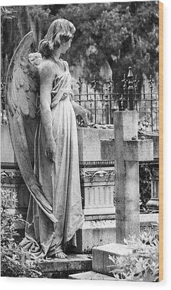 Angel With Cross Of Bonaventure Cemetery Wood Print