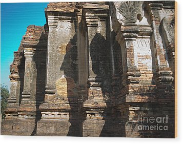 Angular Corner Of Temple In Burma With Sunny Blue Sky Wood Print by Jason Rosette
