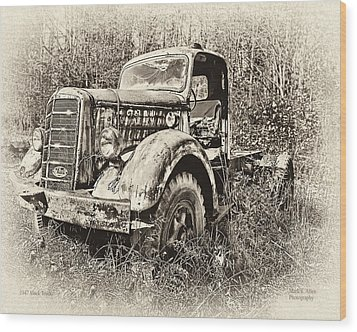 Antique 1947 Mack Truck Wood Print by Mark Allen