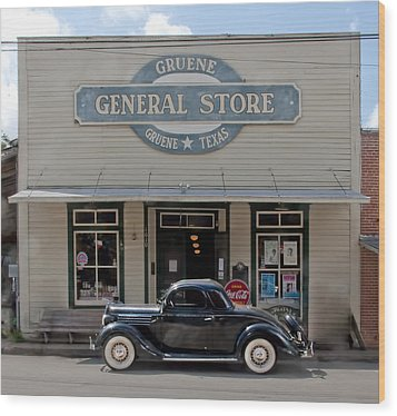 Antique Car At Gruene General Store Wood Print