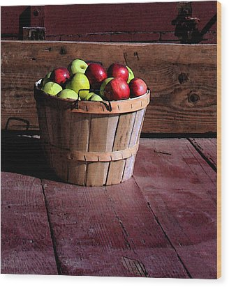 Apple Pickens Wood Print by Joanne Coyle