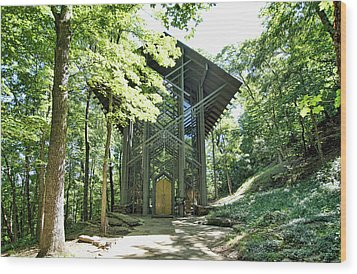 Wood Print featuring the photograph Approaching Thorncrown Chapel by Cricket Hackmann