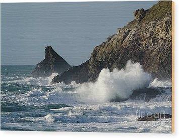 Atlantic Splash Wood Print by Steev Stamford