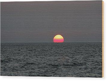 Atlantic Sunrise Wood Print by Allan Levin