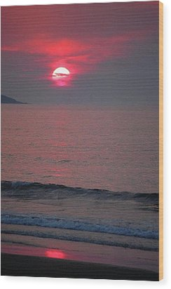 Atlantic Sunrise Wood Print by Sumoflam Photography