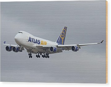 Atlas Air Boeing 747-47uf N415mc Phoenix Sky Harbor December 23 2015  Wood Print by Brian Lockett