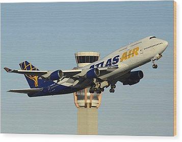 Atlas Boeing 747-446 N465mc Phoenix Sky Harbor January 3 2015 Wood Print by Brian Lockett