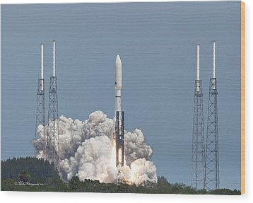 Atlas V Launch Wood Print by Mike Fitzgerald