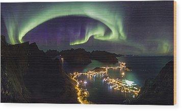Aurora Above Reine Wood Print by Alex Conu