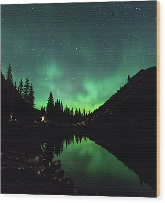 Aurora On Moraine Lake Wood Print