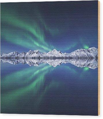 Aurora Square Wood Print by Tor-Ivar Naess