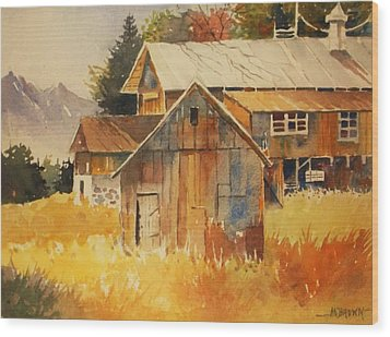 Autumn Barn And Sheds Wood Print