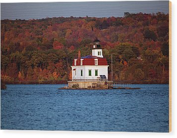 Autumn Evening At Esopus Lighthouse Wood Print by Jeff Severson