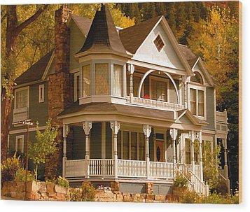 Autumn House Wood Print by David Lee Thompson