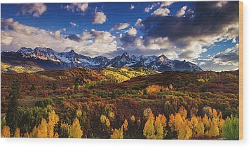 Wood Print featuring the photograph Autumn In The Rockies by Andrew Soundarajan
