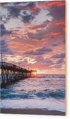 Avalon Pier 9683 Wood Print by Dan Beauvais