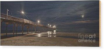 Avon Pier At Night Wood Print by Laurinda Bowling
