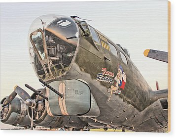 B-17 Texas Raiders Wood Print by Michael Daniels