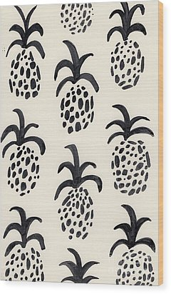 B And W Pineapple Print Wood Print by Anne Seay