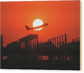 B747 Sunset Take-off Wood Print by Graham Taylor