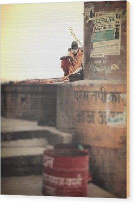 Baba At The Ghats Wood Print