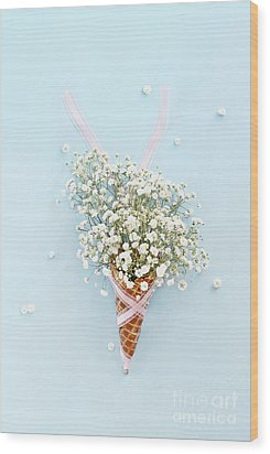 Wood Print featuring the photograph Baby's Breath Ice Cream Cone by Stephanie Frey