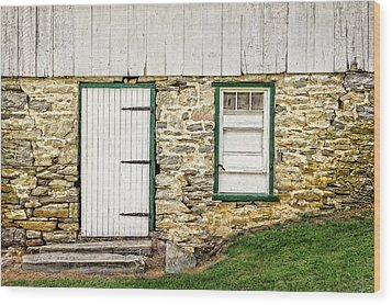 Wood Print featuring the photograph Back Entrance To An 1803 Amish Corn Barn  -  1803pacornbarn172779 by Frank J Benz