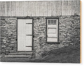 Wood Print featuring the photograph Back Entrance To An 1803 Amish Corn Barn  -  1803pacornbarnblwh172779 by Frank J Benz