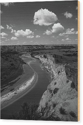 Badlands, North Dakota Wood Print by Art Shimamura