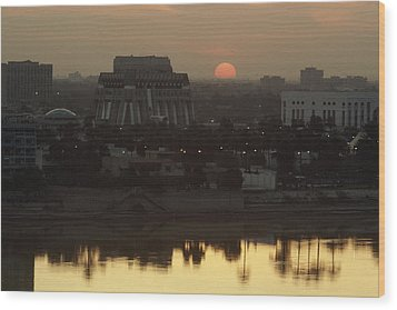 Baghdad And The Tigris River At Sunset Wood Print by Lynn Abercrombie