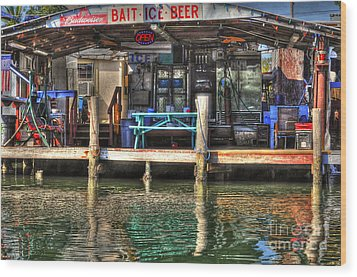Bait Ice  Beer Shop On Bay Wood Print by Dan Friend