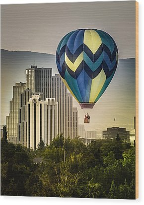 Balloon Over Reno Wood Print