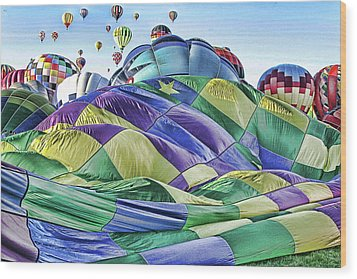 Ballooning Waves Wood Print by Marie Leslie