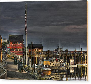 Wood Print featuring the photograph Bandon Boat Basin At Dawn by Thom Zehrfeld