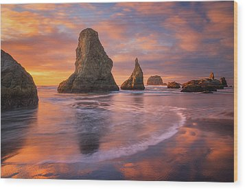 Wood Print featuring the photograph Bandon's New Years Eve Light Show by Darren White
