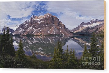 Banff - Bow Lake Wood Print by Terry Elniski
