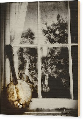 Banjo Mandolin In The Window In Black And White Wood Print by Bill Cannon