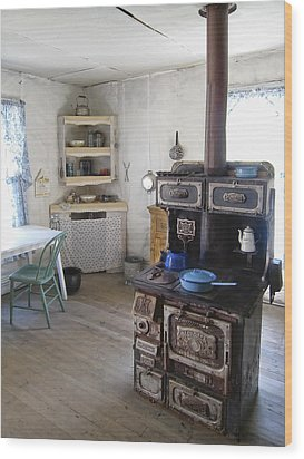 Bannack Ghost Town  Kitchen And Stove - Montana Territory Wood Print by Daniel Hagerman