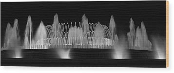 Wood Print featuring the photograph Barcelona Fountain Nightlights by Farol Tomson