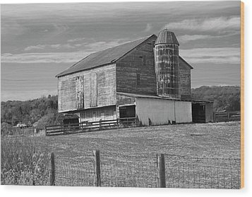 Wood Print featuring the photograph Barn 1 by Mike McGlothlen