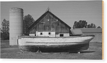 Barn And Boat - Door County Wood Print by Stephen Mack