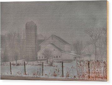 Barn In Fog Wood Print by David Bearden