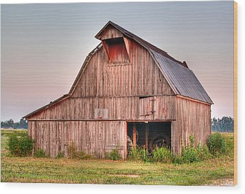 Barn Near Walnut Ridge Arkansas Wood Print by Douglas Barnett