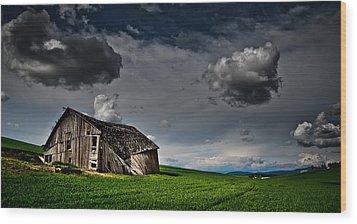Barn No.1 Wood Print