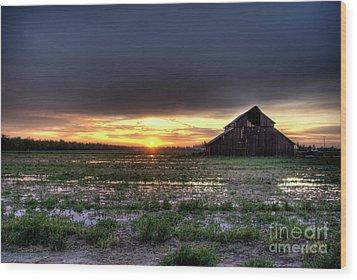 Barn Sunrise Wood Print