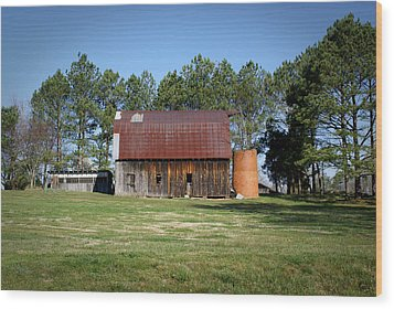Barn With Tree In Silo Wood Print by Douglas Barnett