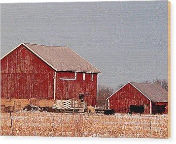 Barns In Winter Wood Print by David Bearden