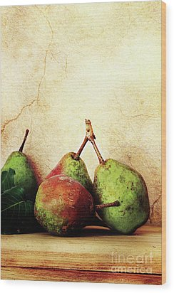 Bartlett Pears Wood Print by Stephanie Frey